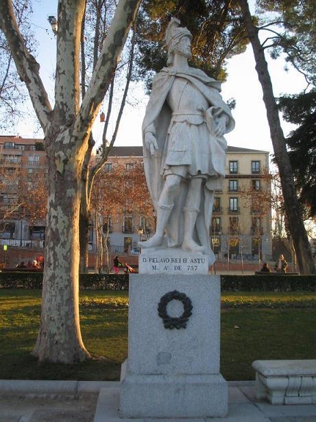 escultura de don pelayo